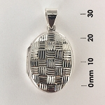 Oval Locket Checker