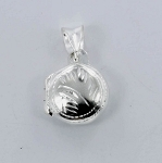 P22783 Round Locket w/Design